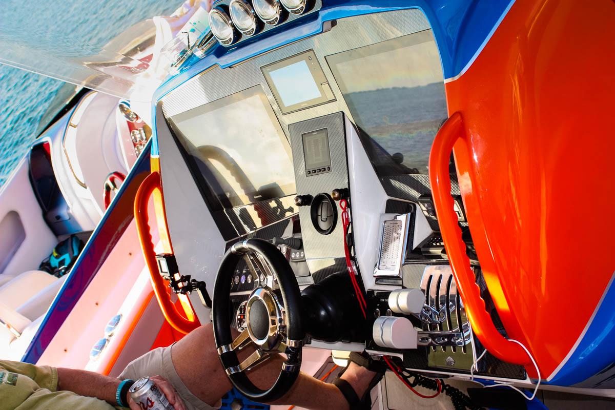 10 D99 helm color_web_size.jpg