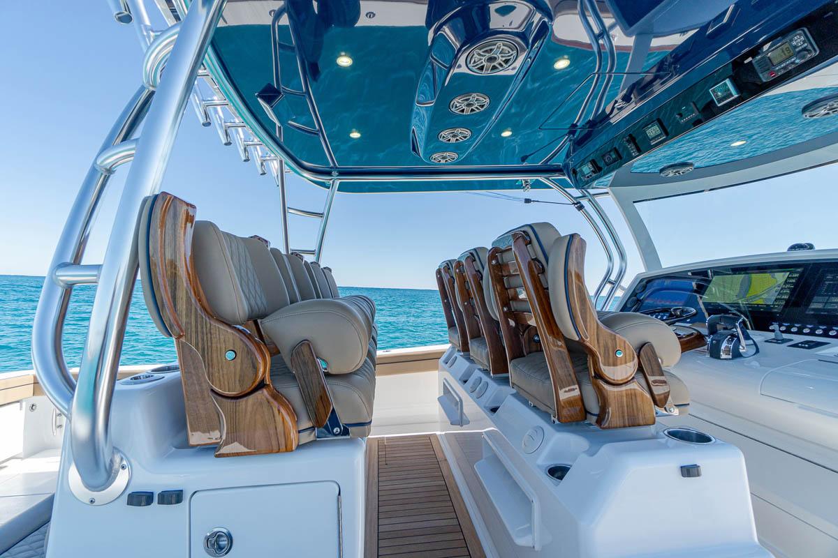 10 V 46 electric slider seating_web_size.jpg