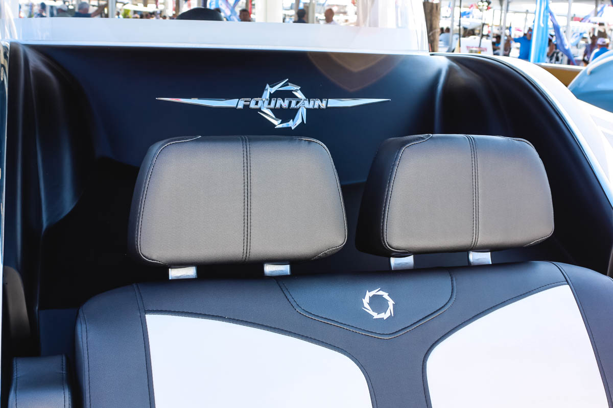 12 39NX bow moveable headrests storage_web_size.jpg