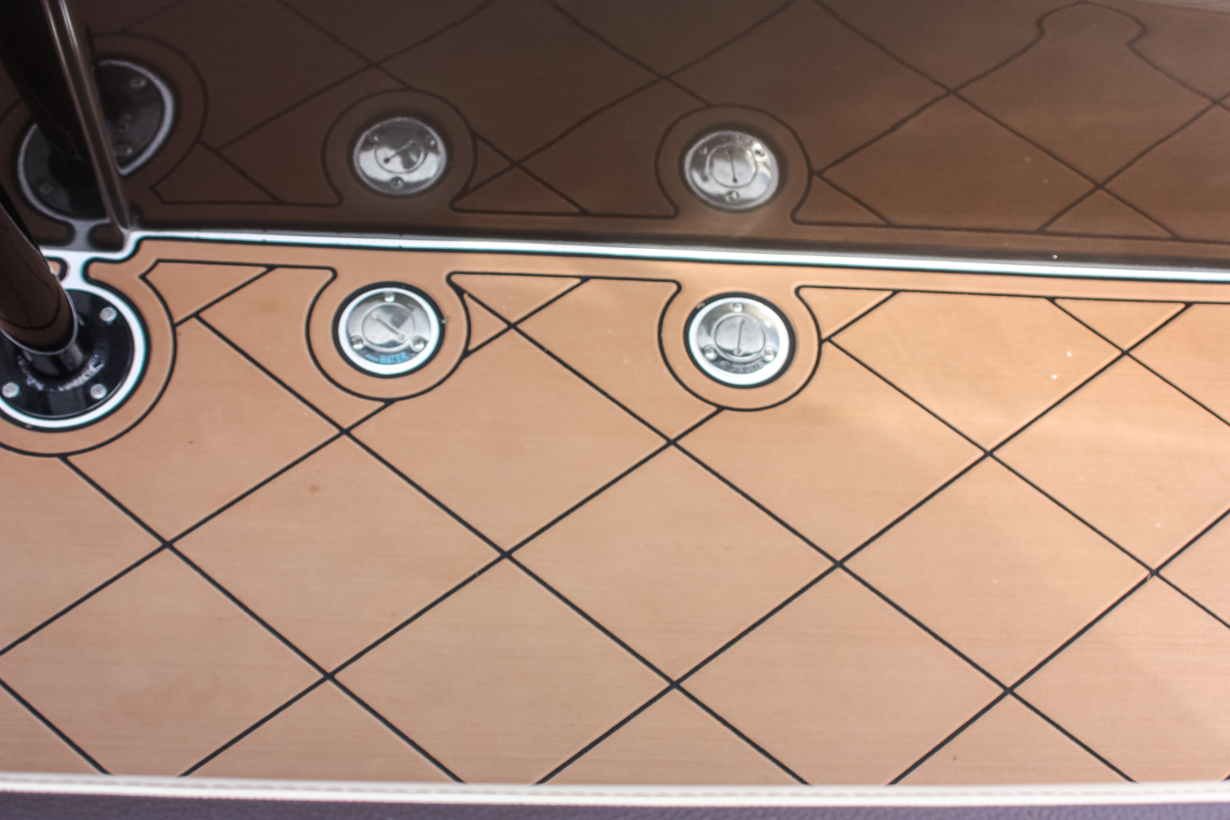 13 390 SeaDek flooring.jpg