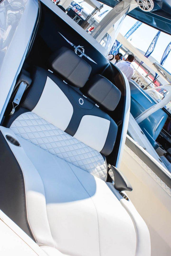14 39NX bow lounge armrest 2_web_size.jpg