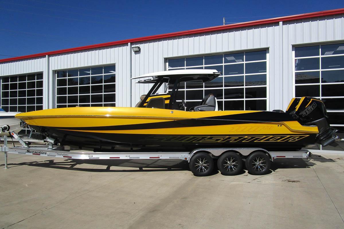16 Sunsation 32 CCX 100th boat credit PBC_web_size.jpg