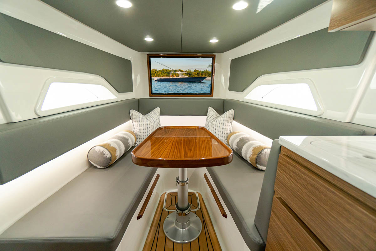 16 V 46 cabin seating_web_size.jpg