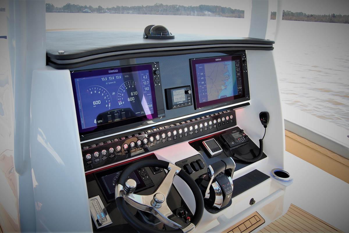 17 39NX cockpit helm 1_web_size.jpg