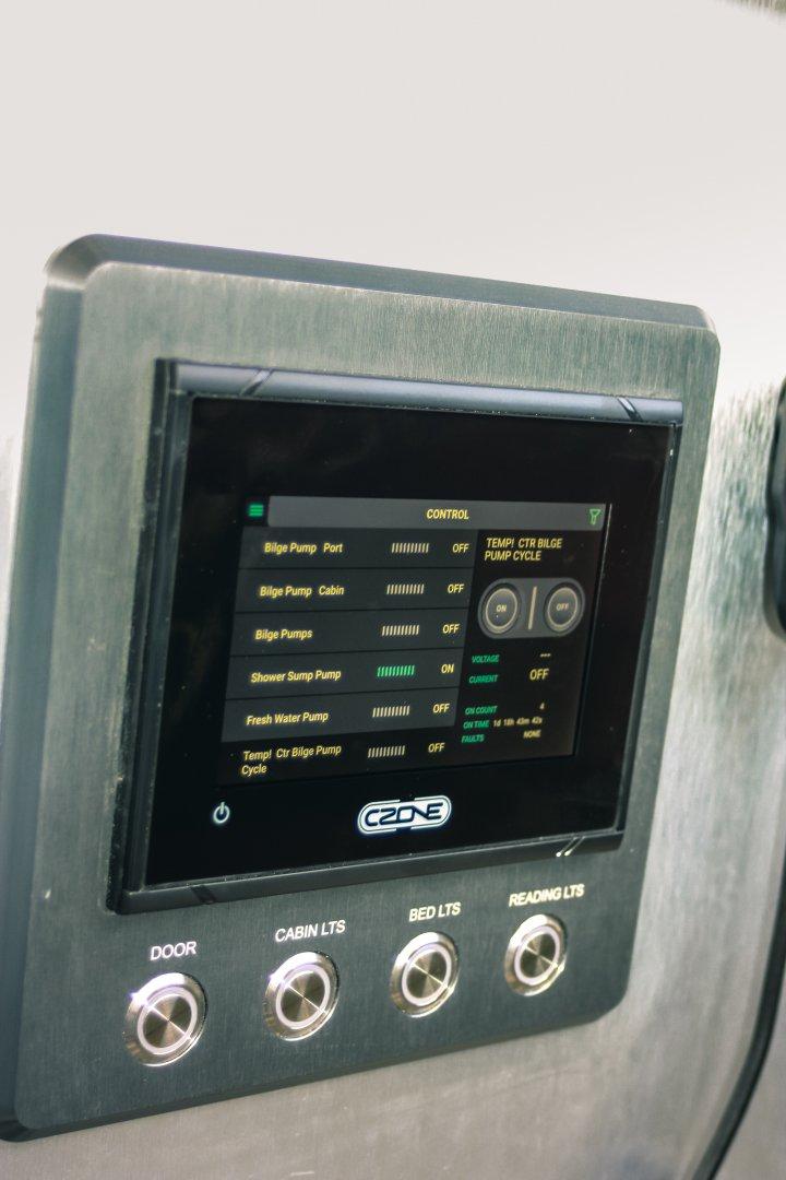 17 hunt controls.jpg