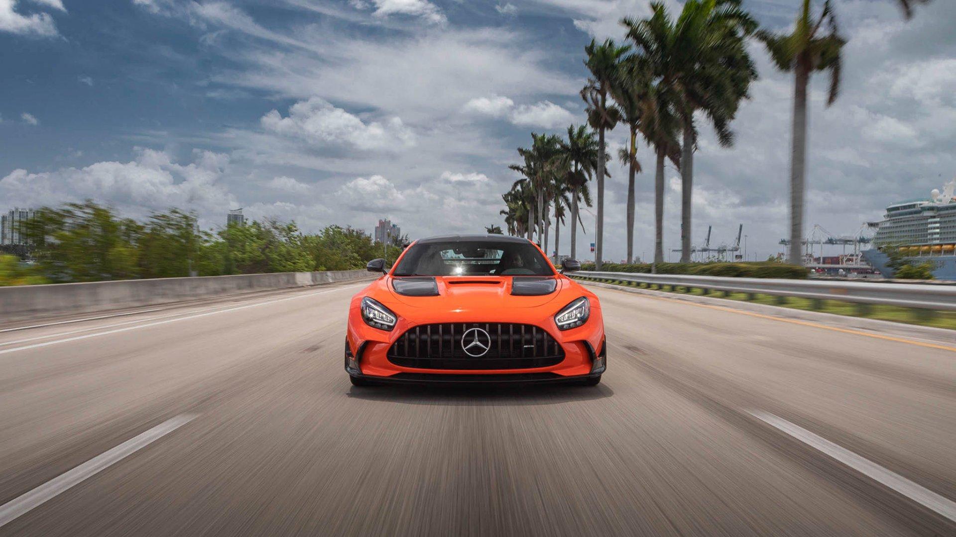 19 Mercedes-AMG on the Miami Autobahn_web_size.jpg