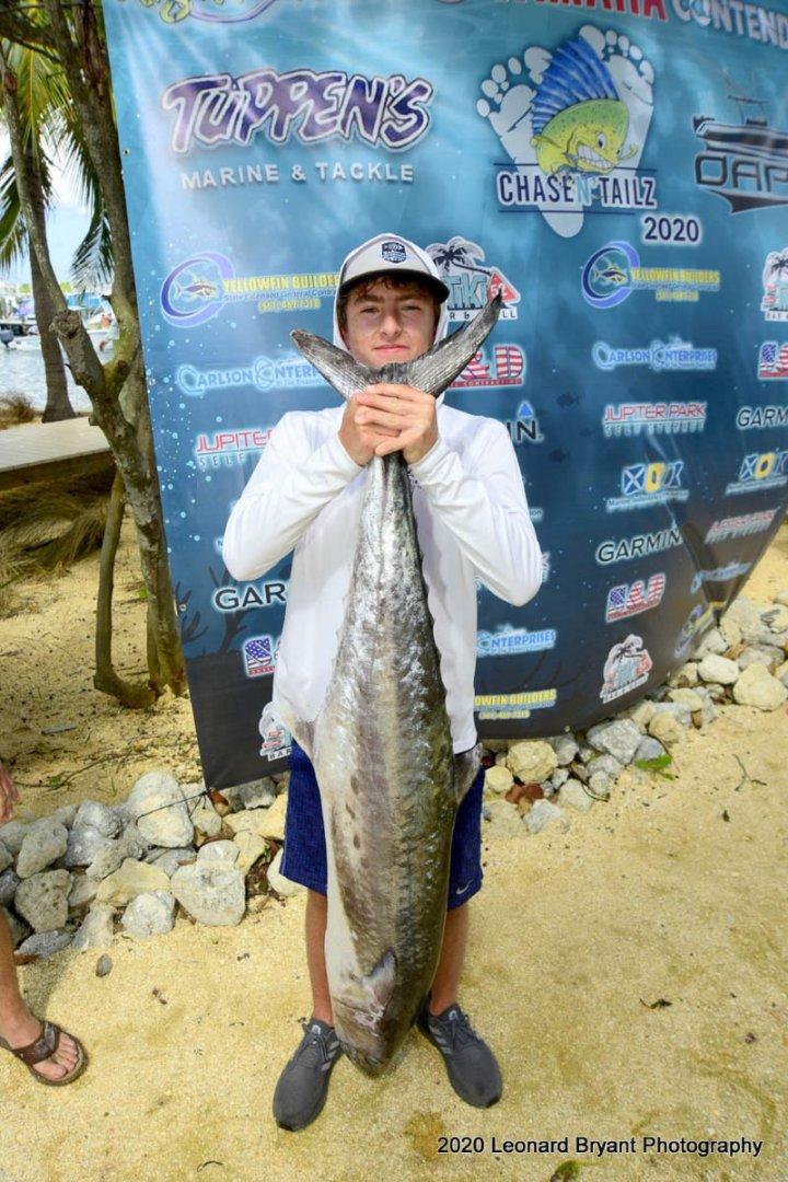 19 Nor-Tech Christopher Sprague winning catch_web_size.jpg