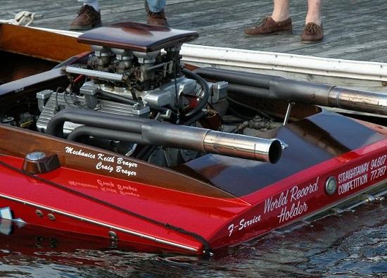 1957-hemi-race-boat-engine.jpg