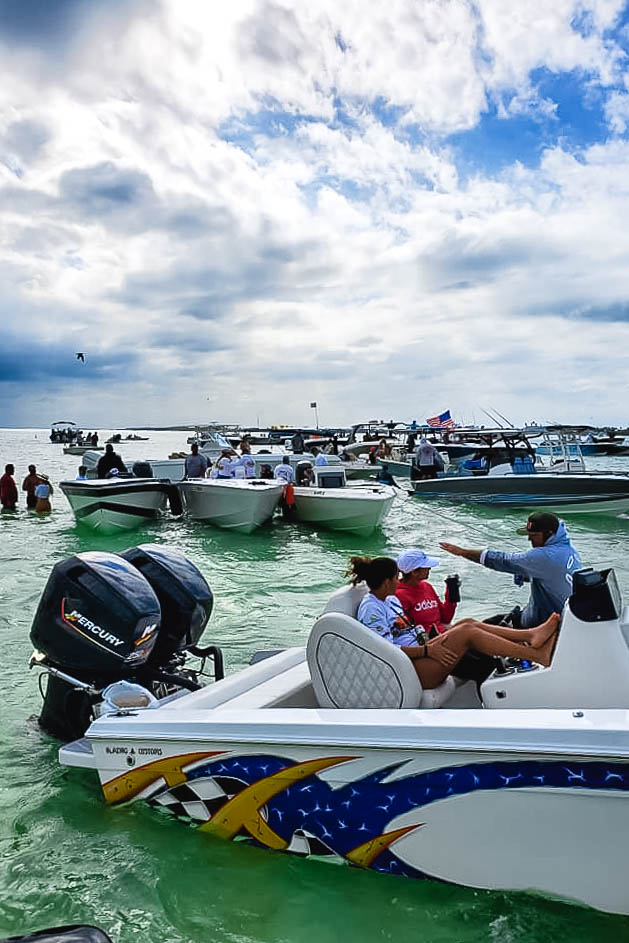 20 Keys Island Runners raft-up_web_size.jpg