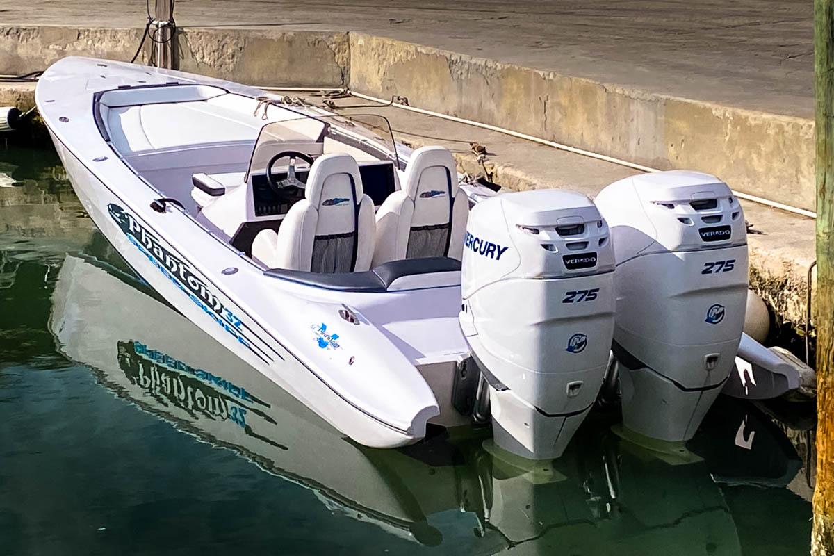 22 KIR new Phantom 32 twin Merc 275s_web_size.jpg