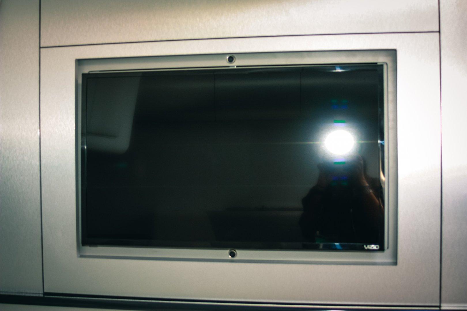 26 hunt cabin tv.jpg
