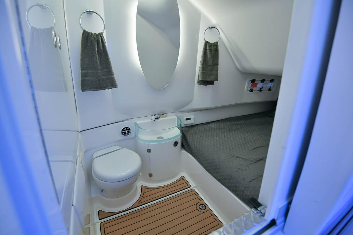28 39NX cabin head cabin combo_web_size.jpg