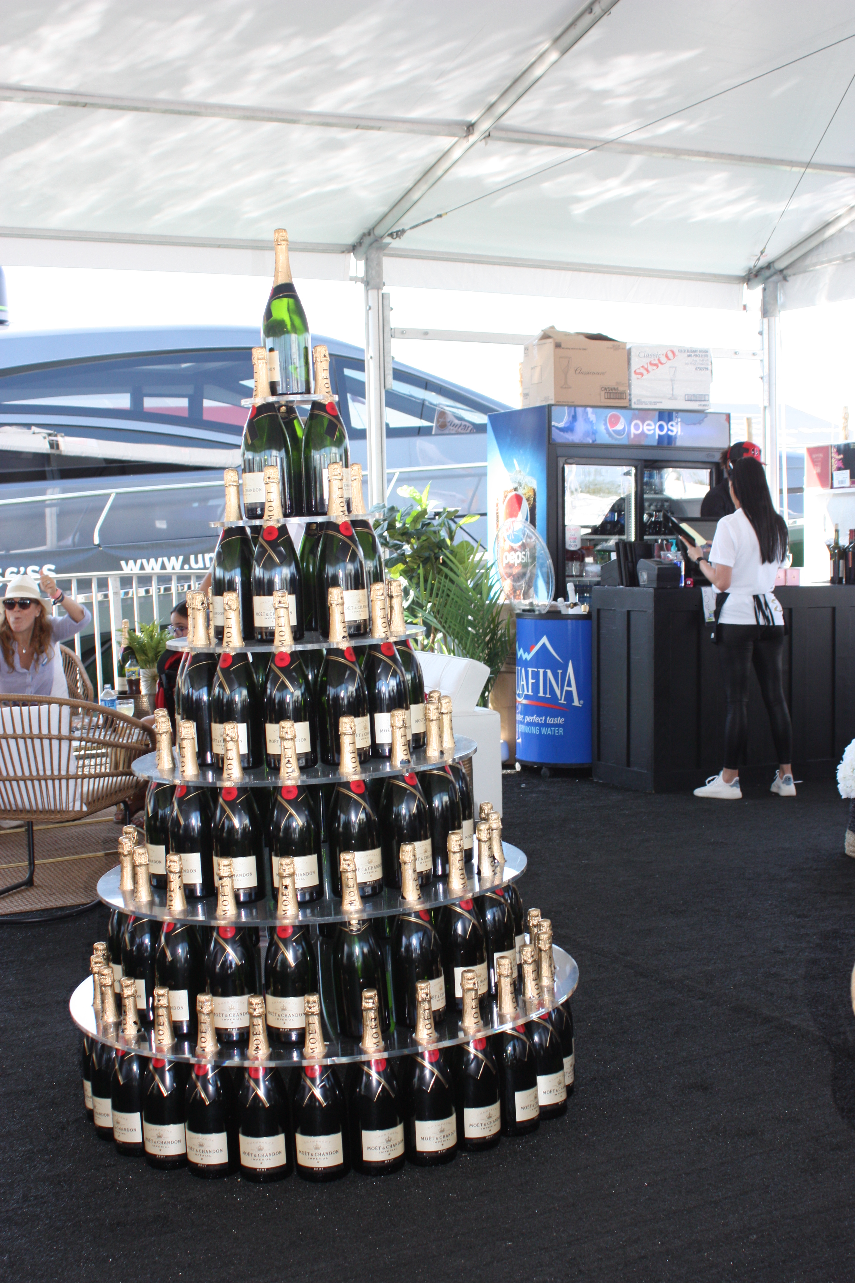 42 dock dine moet tree.JPG