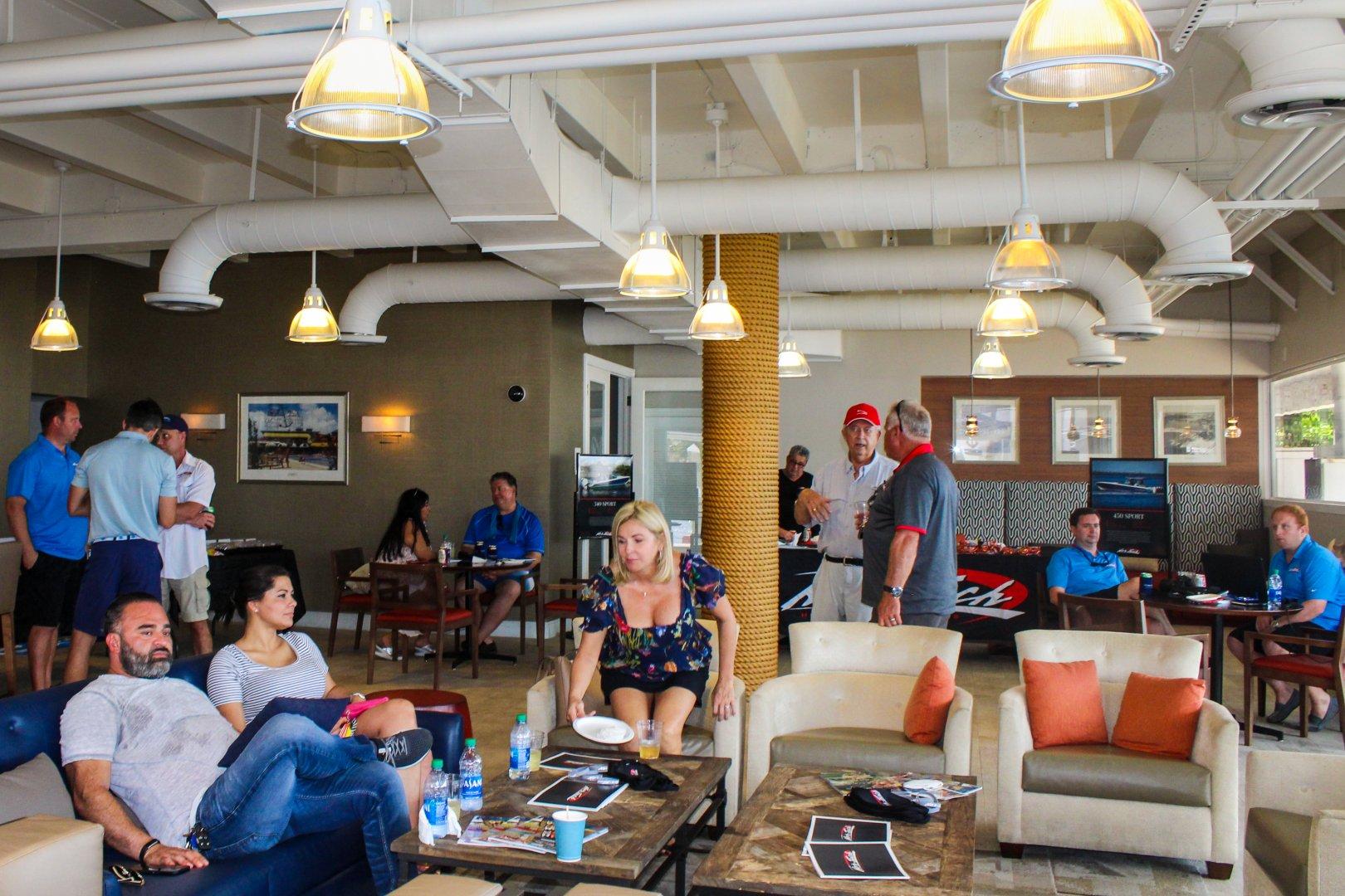 5 bar lounge.jpg