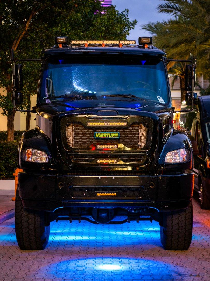 5 HU truck 1.jpg