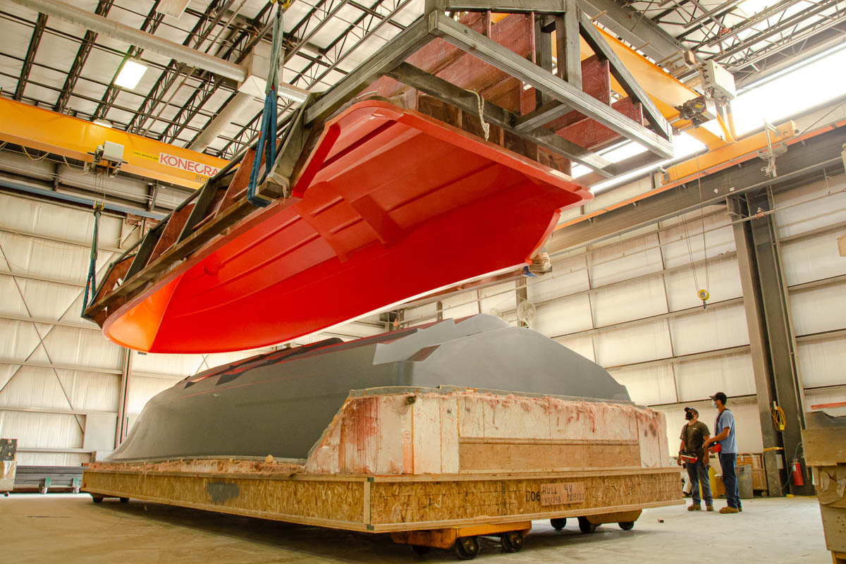 9 V-46 hull mold lifted from finished plug_web_size.jpg