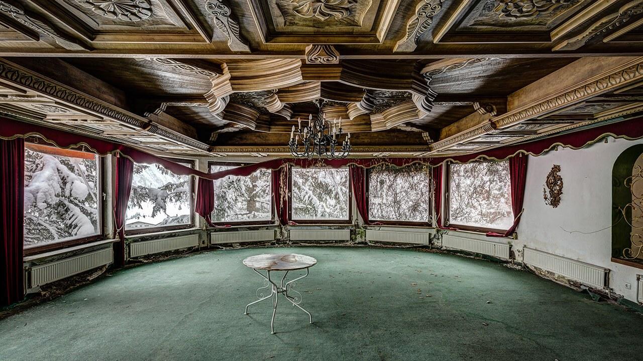 AbandonedEuropeHotels015_0.jpg