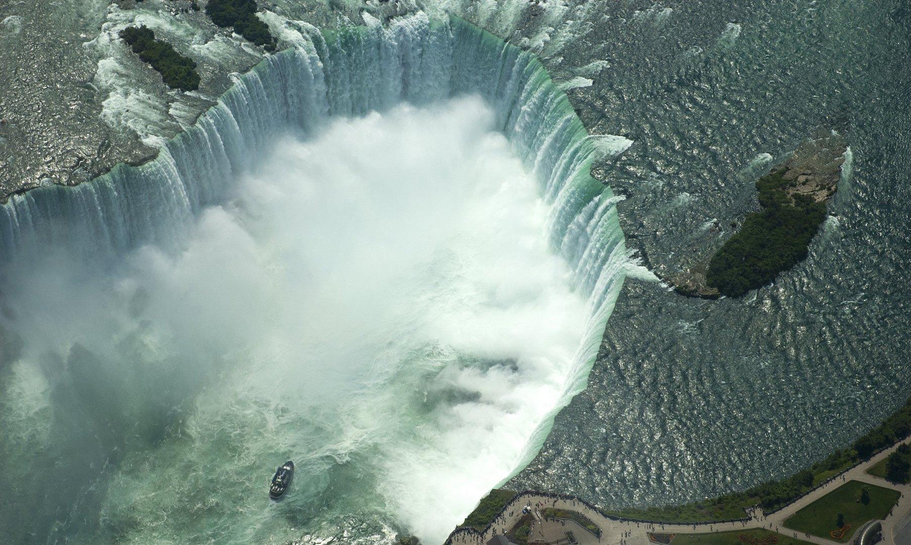 aerial-view-of-Niagara-Falls-with-boat.jpg