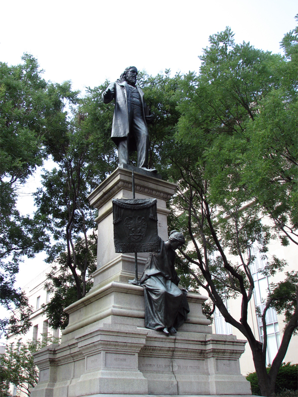 Albert_Pike_Statue,_Washington_DC.jpg