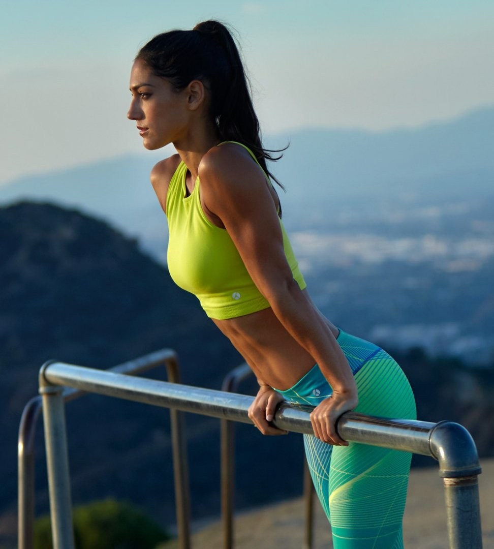 Allison_Stokke_fitness_clothes.jpg