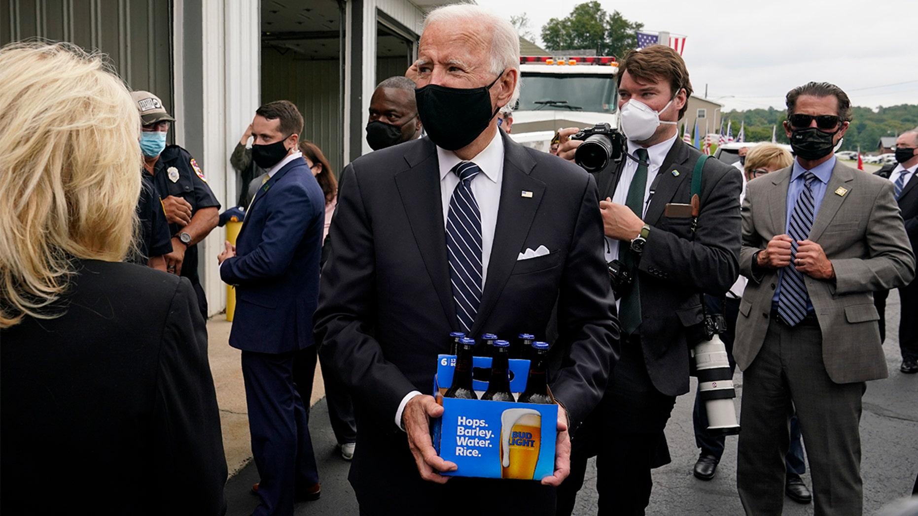 Biden-Beer-AP.jpg
