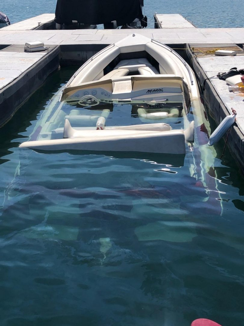 boat sunk 4.jpg