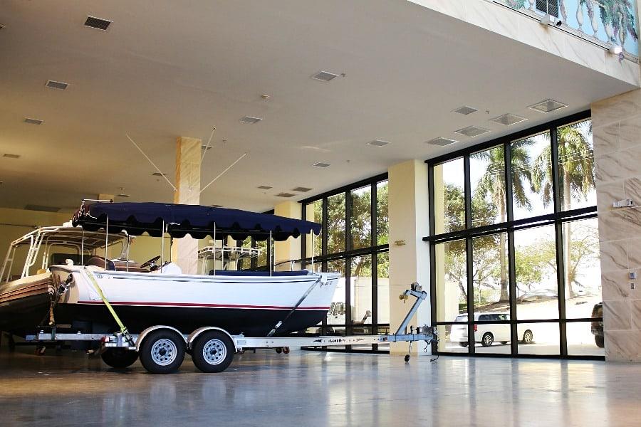 Empty boat showroom #1.jpg