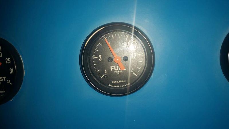 Fuel Pressure Gauge.jpg