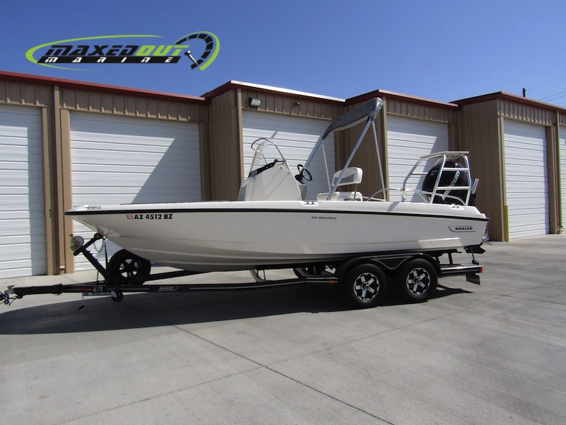 2015 Boston Whaler 210 Dauntless Mercury Verado 200 Pro ONLY 50