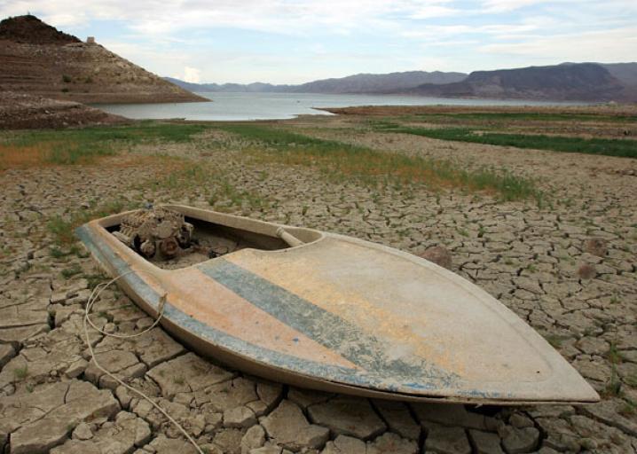 Lake Mead low water sunk boat.jpg