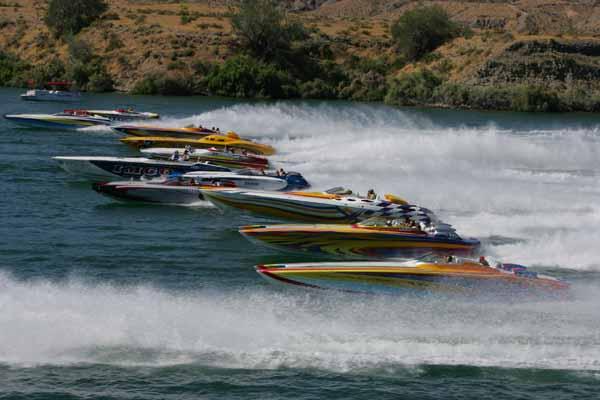 lake_havasu_poker_run_nevada_racing_boats_1.jpg