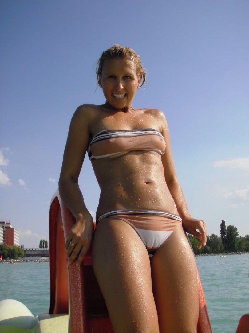 lusciousnet_cameltoe_bikini_hottie_1453591370.jpg