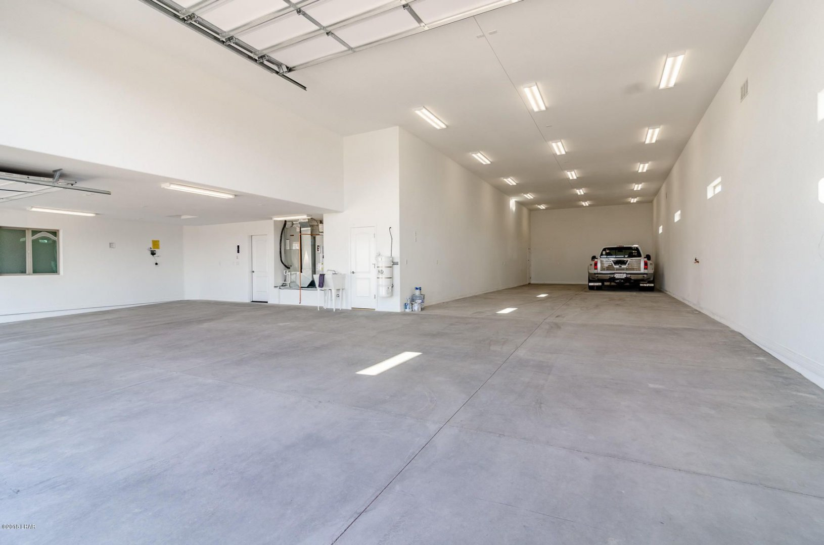 Mescal Garage.jpg