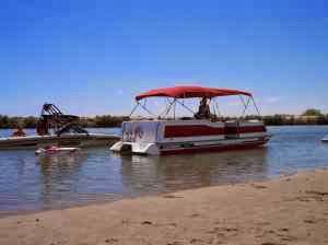 Ozark_Deck_Boat_24_Jet2.jpg