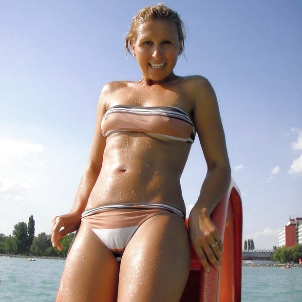 photo-Blonde-Cameltoe-Non-Nude-Panties-Petite-Public-Sex-Pussy-851214935.jpg