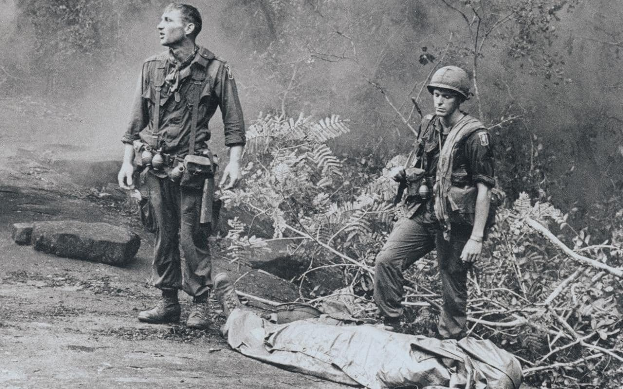 the-vietnam-war-2-xlarge_trans_NvBQzQNjv4Bqh0FRgkbgcmuJfCevWxaapQHpR1-WKGh2-N_FWbS1o9I.jpg