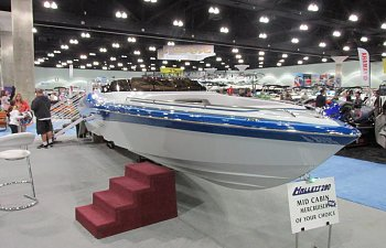 Hallett 290 Boat Show Review