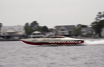 Outerlimits sets 2 new Vee Hull Speed Records