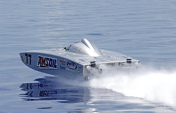 Looking Ahead for 2015: Team AMSOIL Offshore Racing #77 - An Unstoppable Force